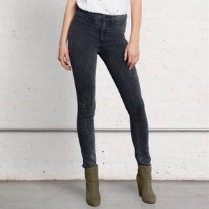 Rag & Bone Jeans • Rosebowl Leggings in Black